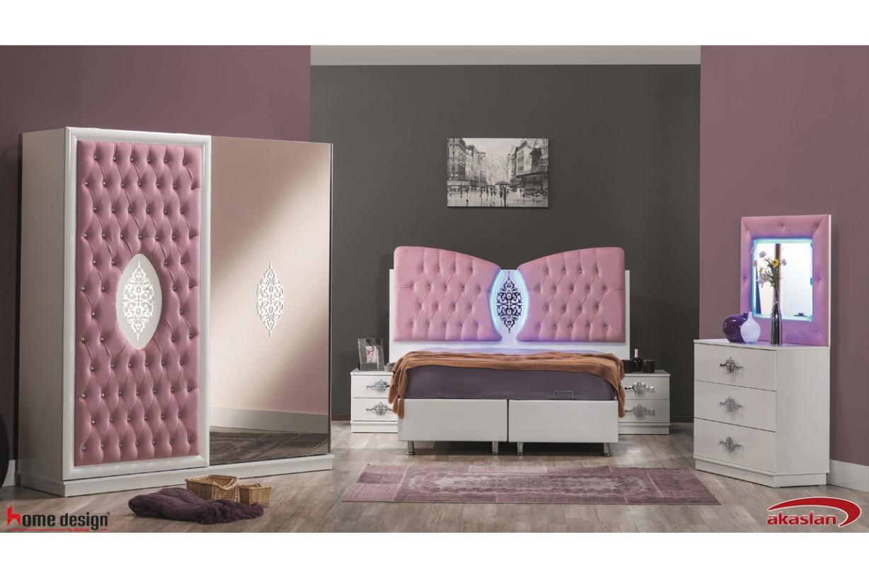 Resital Pembe Yatak Odası